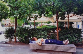 The napping girl of Trastavere.