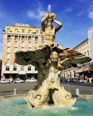 The many fountains of Rome.